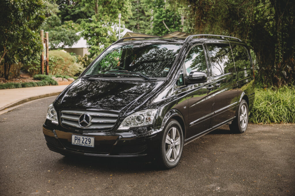 Out'n'back Limos Mercedes Benz Viano